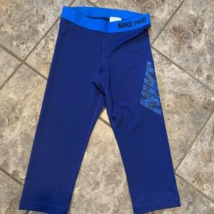 Nike Pro cropped workout pants